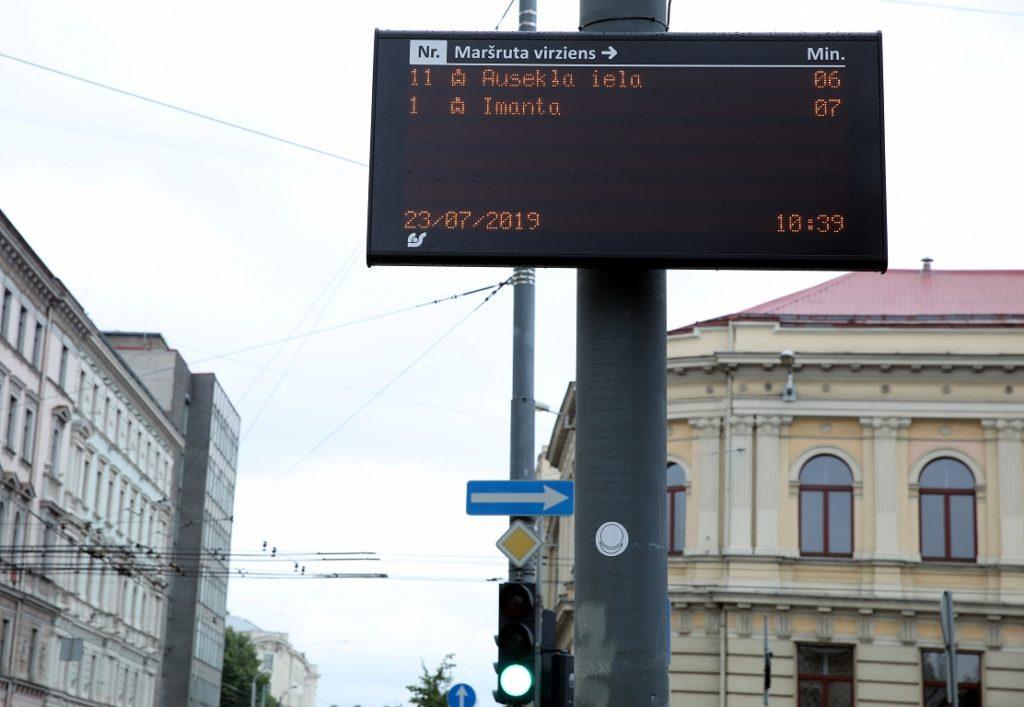 Publiskā transporta gaidīšanas laika informācija pieturvietās